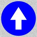 Weißer Richtungspfeil auf blauen Grund